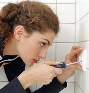 Как установить и подключить розетку