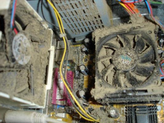 Пыль на кулерах в системном блоке приводит к самопроизвольному отключению компьютера